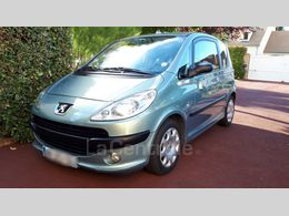 PEUGEOT 1007 1.6 dolce 2-tronic