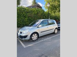 RENAULT SCENIC 2 ii 2.0 16s 136 confort authentique