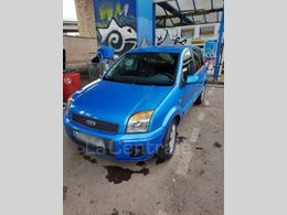 FORD FUSION 2 310 €