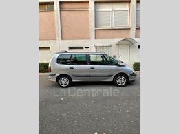 Photo d(une) RENAULT  III 2.0 16S AUTHENTIQUE d'occasion sur Lacentrale.fr