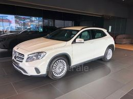 MERCEDES GLA (2) 180 d intuition