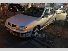 Photo d(une) RENAULT  2 14 16S AUTHENTIQUE d'occasion sur Lacentrale.fr