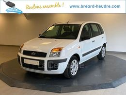 FORD FUSION 7 400 €