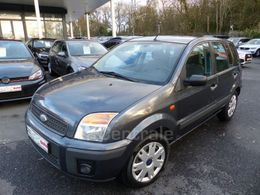 FORD FUSION 4 860 €