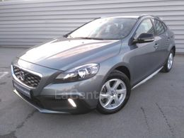 VOLVO V40 (2E GENERATION) CROSS COUNTRY 15 000 €