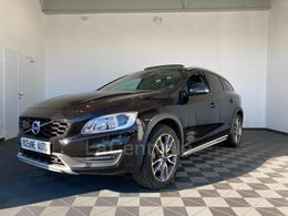VOLVO V60 CROSS COUNTRY 25 180 €