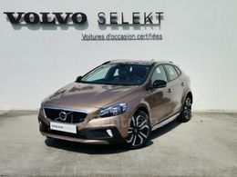 Photo d(une) VOLVO  II (2) CROSS COUNTRY T3 152 MOMENTUM GEARTRONIC d'occasion sur Lacentrale.fr