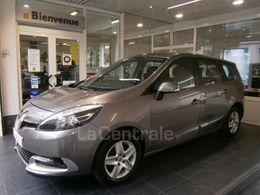 Photo d(une) RENAULT  III (3) 1.5 DCI 110 BUSINESS 7PL EDC d'occasion sur Lacentrale.fr