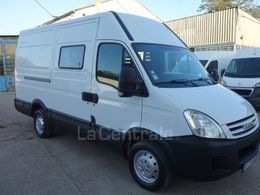 IVECO DAILY 3 fourgon cabine approfondie 35s12 v12 3.5t