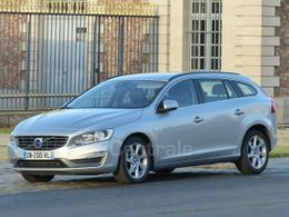 VOLVO V60 2 D4 181 MOMENTUM BUSINESS GEARTRONIC 8
