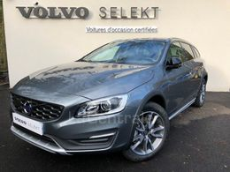 VOLVO V60 CROSS COUNTRY 30 120 €